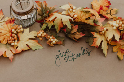 thanksgiving image of fall leaves